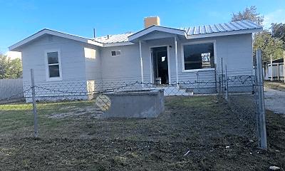Building, 105 E Albertson Dr, 1