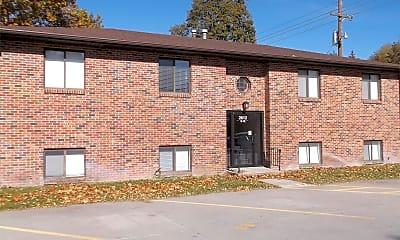 Building, 2604 N Webb Rd, 2
