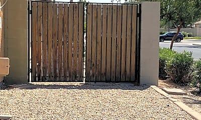4501 Trailer gates.jpg, 4501 E Harrison St, 2