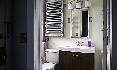 Bathroom, 725 Michigan St. NE, 2