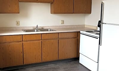 Kitchen, 607 E 1st St, 1