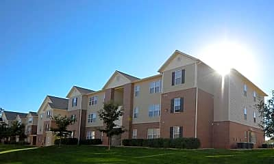 Building, Grove Student Apartments, 1