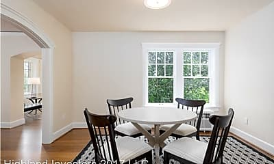 Dining Room, 931 - 11th Ave E, 2