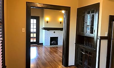 Living Room, 616 E 7th St, 0