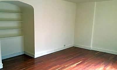 Bedroom, 165 Huguenot St, 1