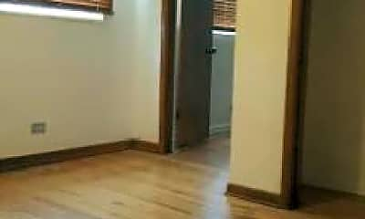 Bedroom, 739 N Linden Ave, 1