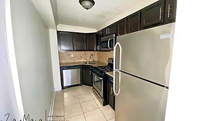 Kitchen, 40 E Sidney Ave 21E, 2