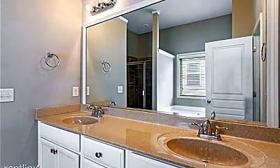 Bathroom, 5885 Weddington Dr, 2