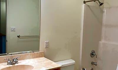 Bathroom, 463 Sunday Dr, 1