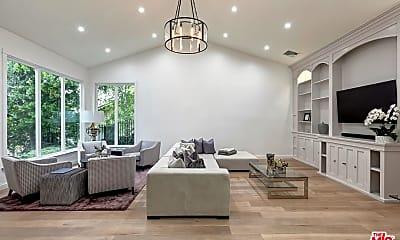 Living Room, 16672 Ashley Oaks, 0