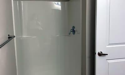 Bathroom, 283 Knox St N, 1