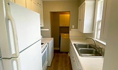 Kitchen, 935 Hawthorne St, 1