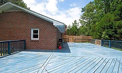 Building, 125 Elizabeth Dr E, 2