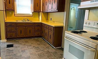 Kitchen, 1419 Woodley Ave, 2