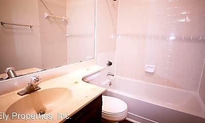 Bathroom, 915 W 22 1/2 St, 2
