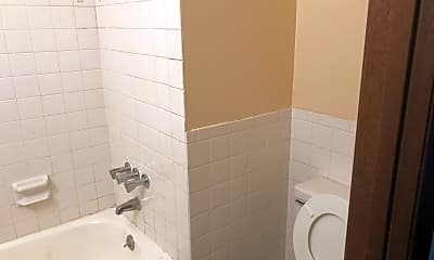 Bathroom, 2510 S Fort Ave, 2