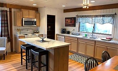 Kitchen, 105 Welf Ln, 1