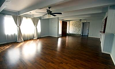 Living Room, 2115 E Fort Lowell Rd, 1