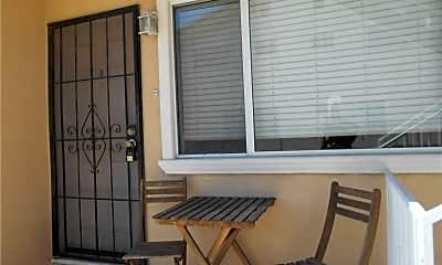 Patio / Deck, 722 W 25th St B, 1