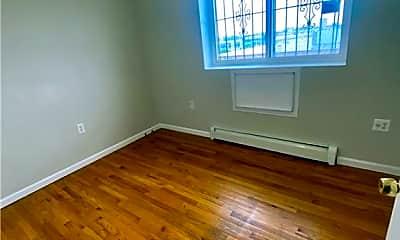 Living Room, 2354 Newbold Ave, 0