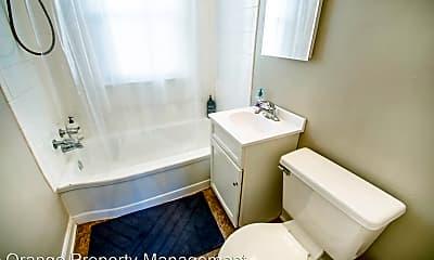 Bathroom, 816 N 46th St, 1