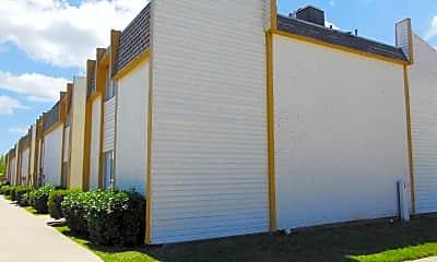 Building, Wood Creek Apartments, 1