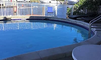 Pool, 811-831 SE 22nd Ave, 2