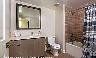 Bathroom, 5500 NORTH KLUMP AVE, 2