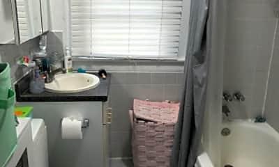 Bathroom, 186 Archer Ave, 0