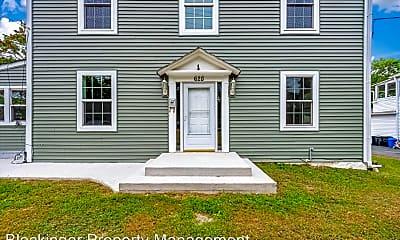 Building, 628 Ingleside Ave, 1