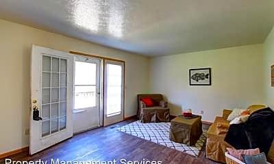 Living Room, 817 W Wilden Ave, 1