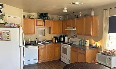 Kitchen, 404 Kings Way Dr B, 1