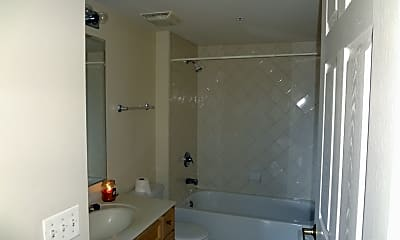 Bathroom, 1327 Brown St 606, 2