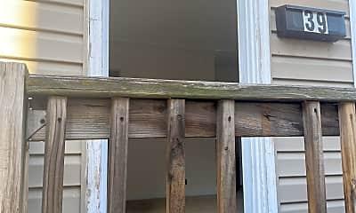 Building, 39 N Locust St, 1