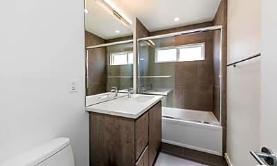Bathroom, 1434 10th St, 2