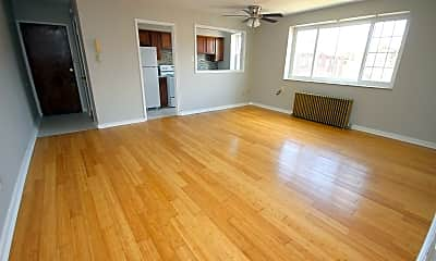 Living Room, 261 S Winebiddle St, 0