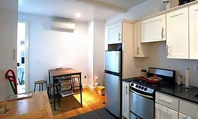 Kitchen, 33 Montrose Ave, 0
