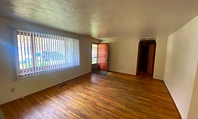 Living Room, 10205 N Juliann Dr, 2
