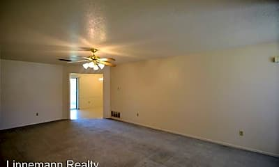 Living Room, 3907 Roundrock Dr, 1