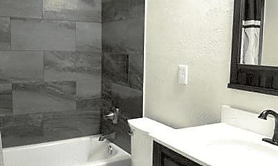 Bathroom, 1021 Powell Rd, 2