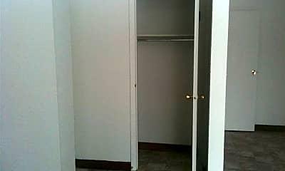 Bedroom, 710 Riverside Dr, 2