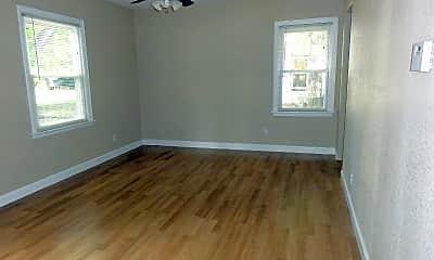 Bedroom, 911 N Garfield St, 1