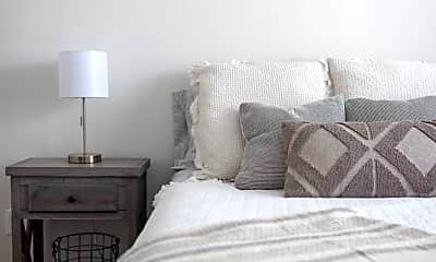 Bedroom, 421 W Market St, 1