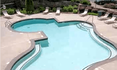 Pool, The Park at Castleton, 2