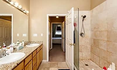 Bathroom, 3225 W Fullerton Ave, 2