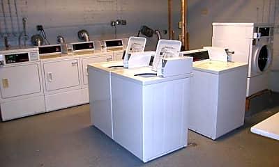 Laundry room, 4338 S Drexel Blvd, 2
