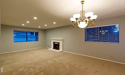 Living Room, 6125 Hedgewall Dr, 1