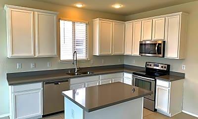 Kitchen, 2212 Buelingo Ln, 1