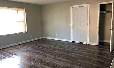 Living Room, 800 Hillside Dr, 2