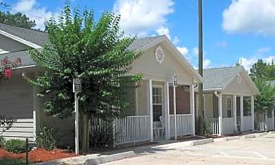 Magnolia Manor, 1
